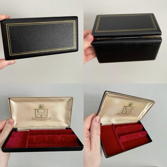Sleek Vintage Jewelry Travel Case